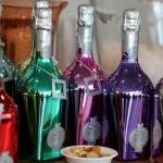 Gekleurde Italiaanse wijnflessen