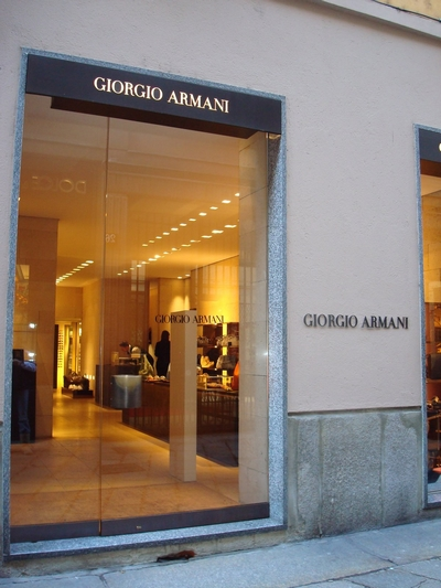 Live modeshows kijken in milaan il giornale d gratis for Armadi outlet milano