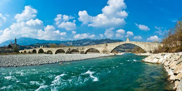 De brug van Bobbio, regio Emilia Romagna