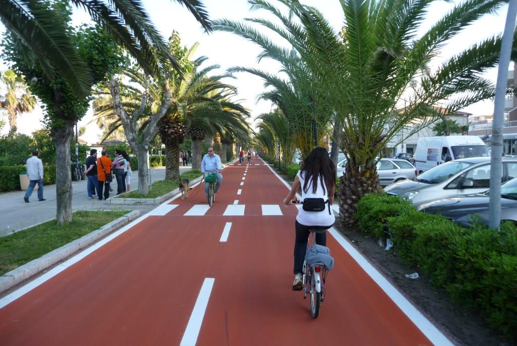 fietsen-fietspad-italie