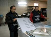 De politie ontdekt regelmatig illegale drukkerijen
