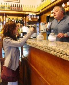 De barista is na de burgemeester misschien wel de belangrijkste man van het dorp