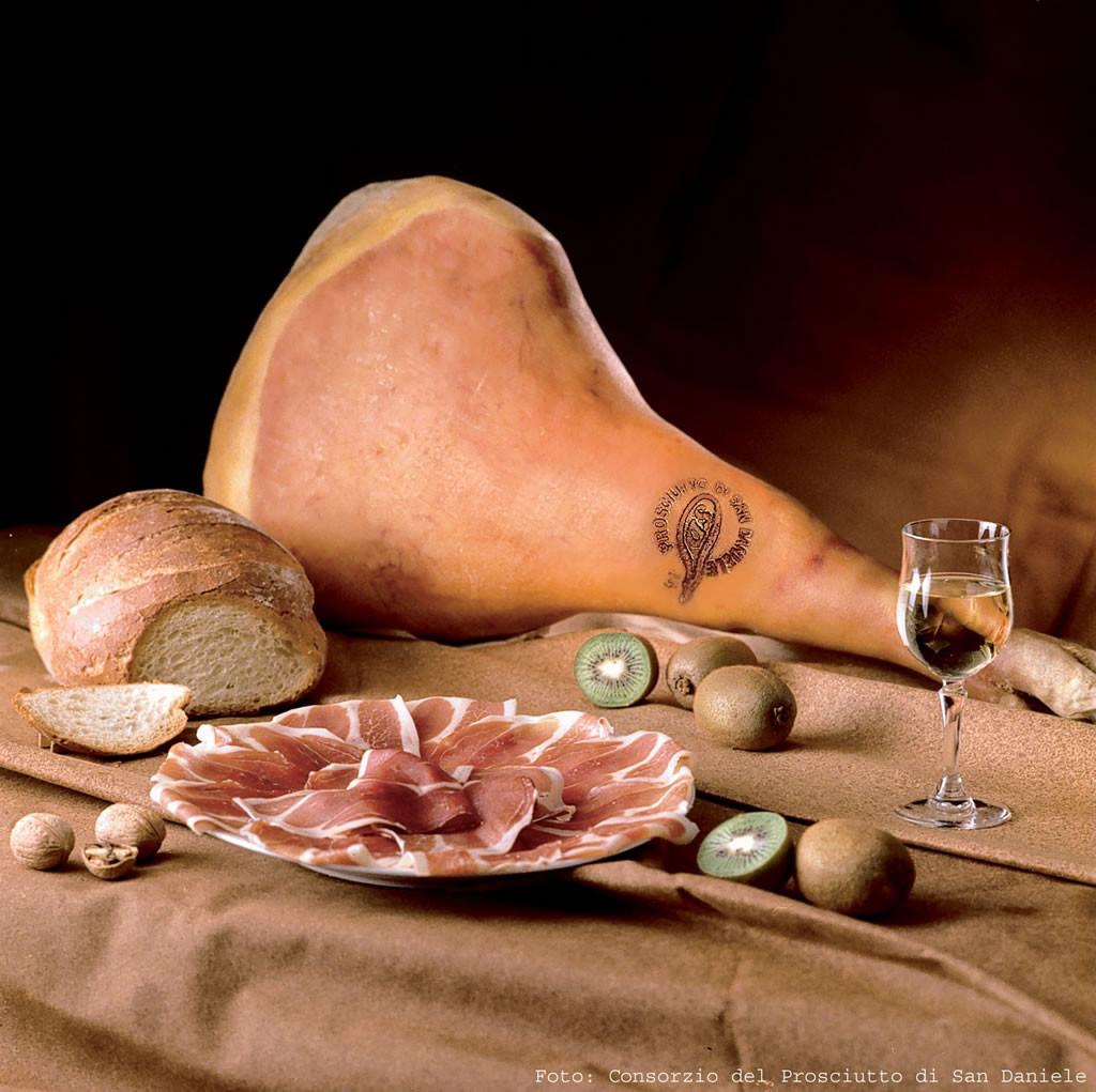 De ham van San Daniele is vergelijkbaar met die uit Parma