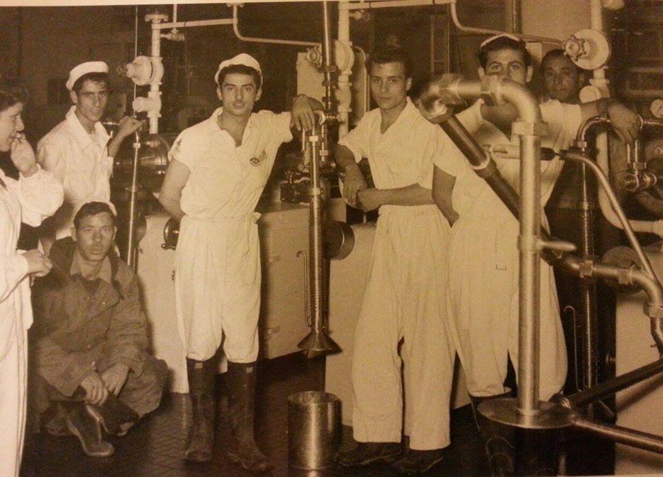 De ijsmakers van de Spicafabriek in 1953
