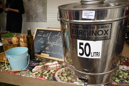De tank huisgemaakte olijfolie van Thuis in Umbrië was ook nu weer snel leeg