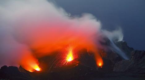 De weergaloze natuurshow die de vulkaan Stromboli gratis geeft