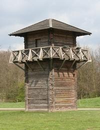 Een replica van een Romeinse wachttoren bij Fort Vechten in Utrecht
