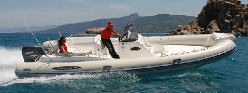 Een snelle RIB boot van De Maestrale
