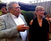 Een trotse Guiseppe 'Pino' Melani en zijn vrouw Angelica Lehnert net na de uitreiking
