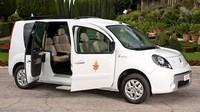 Elektrische Renault Kangoo van de Paus