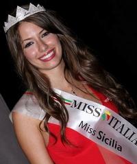 Giulia Arena won eerst de verkiezing van Miss Sicilie