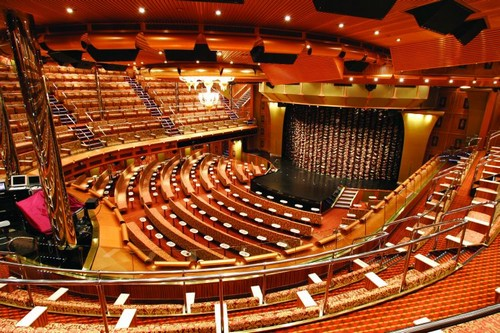 Het theater op de Costa Favolosa