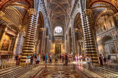 Interieur van de dom van Siena
