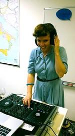 Italiaanse lounge-muziek van de charmante DJ