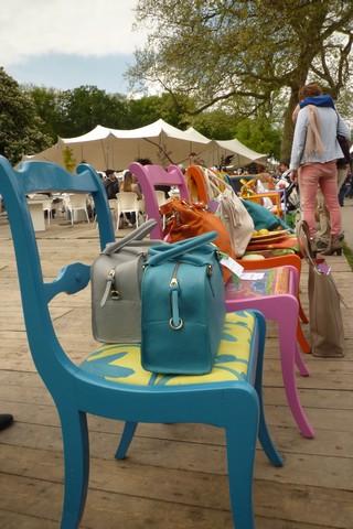 Kleur, heel veel kleur zagen we in de tuinen van De Haar, kleurrijke bezoekers en producten