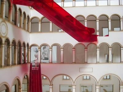 Koolhaas plaatst roltrappen in eeuwenoude pand in Venetië