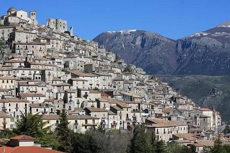 Het stadje Morano in Calabrie Zuid Italie