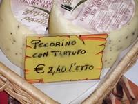Pecorino met truffel uit Volterra
