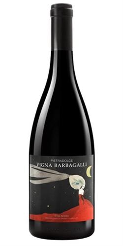 Rode wijn van het jaar. Vanaf zo'n 75 euro de fles.