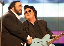 Zucchero zingt samen met Pavarotti