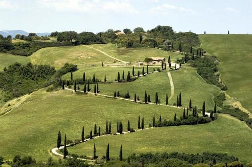 Een wonderschone weg in Toscane