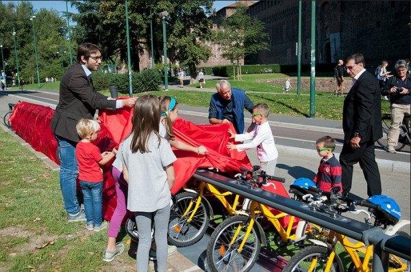fiets-delen-kinderen-milaan2