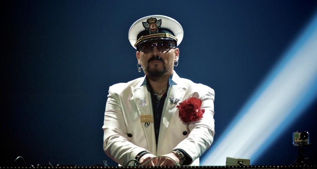 De Italiaanse DJ Gigi Agostino staat voor het eerst in de Top2000