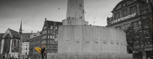 Laura pausini videoclip in Amsterdam Non ho Mai Bijenkorf op de dam
