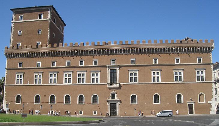 Binnenkort kan je een broodje eten in het Palazzo Venezia