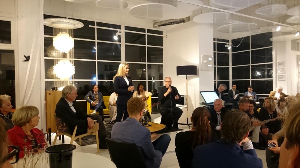 Vader en dochter Alessi tijdens de proeverij bij Designshops Rotterdam