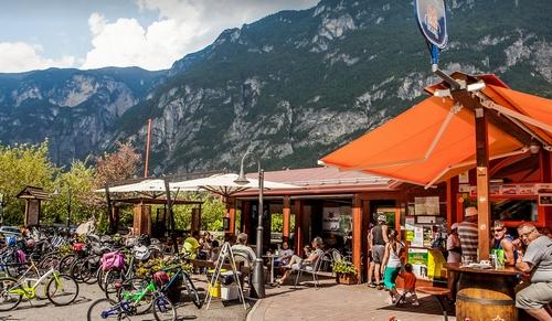 De Bici grill. Het wegrestaurant voor fietsers in Trentino